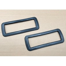 Front Indicator Seals 68-72 pair